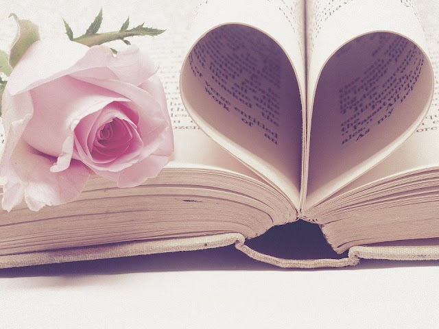 Image: Book Love, by Jess Watters /PlushDesignStudio on Pixabay