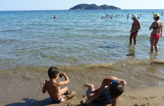 Playa de Dafni, en el golfo de Laganás.