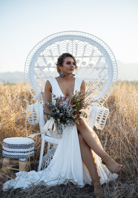 TOWNSVILLE WEDDING FLORALS DESIGNER BRIDAL BOUQUET FLOWERS ZOE SEITIS PHOTOGRAPHY