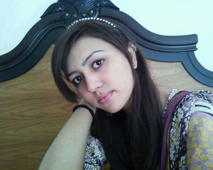Wallpapers  Beautiful Hot Cute Pakistani Local Beauty -2447