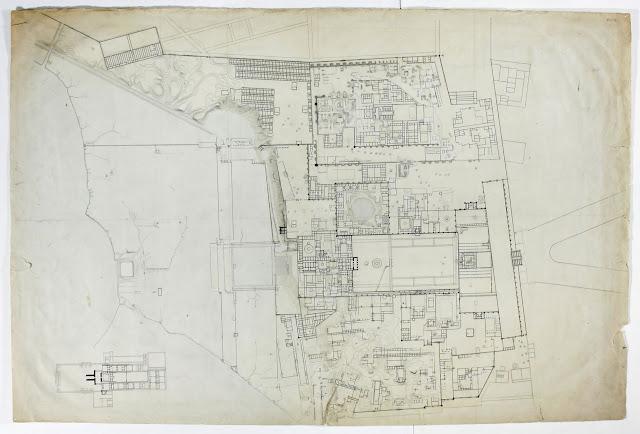 Сначала Ашшур был центром сравнительно небольшого, номового, преимущественно торгового государства, в котором ведущую роль играли купцы. Ассирийское государство до XVI в. до н. э. называлось «алум Ашшур», то есть город или община Ашшур. Используя близость своего города к важнейшим торговым путям, купцы и ростовщики Ашшура проникли в Малую Азию, и основали там свои торговые колонии.