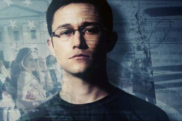 Joseph Gordon Levitt no papel de Snowden