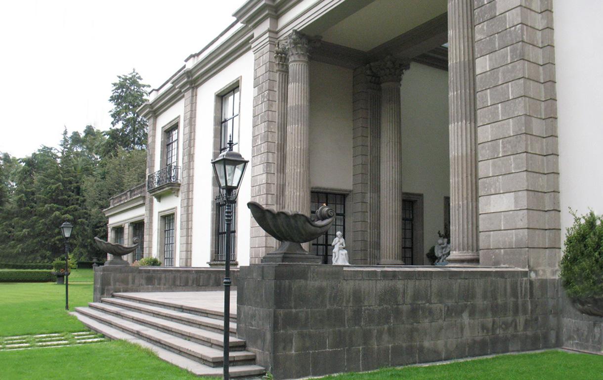Residencia Soledad Orozco, construida por Ávila Camacho y propiedad de la Presidencia de México