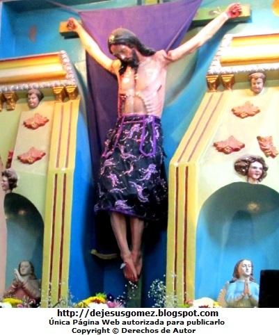 Jesús crucificado en la iglesia de Santa Cruz de Andamarca. Foto de Jesús tomada por Jesus Gómez