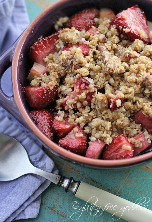 Gluten free strawberry rhubarb crumble