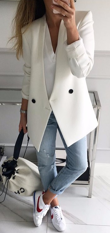 lazy day outfit | denim + white blazer