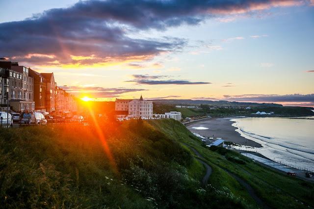Scarborough north bay sunset, mandy charlton, travel blogger, photographer