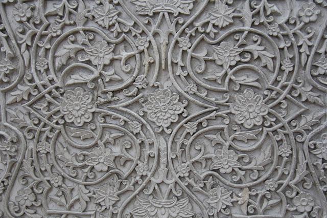 Ouzbékistan, Tachkent, Musée National des Beaux Arts, ganch, scultpure, frise, © L. Gigout, 2012