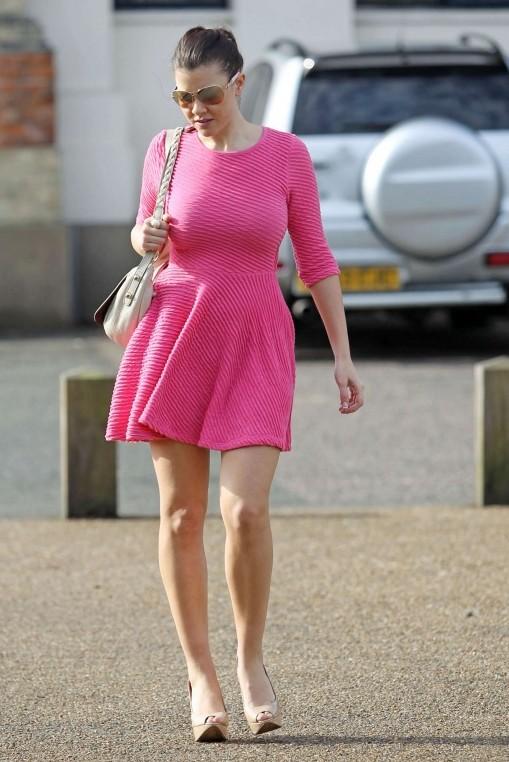Got Celebs Imogen Thomas Upskirt In Pink Dress -4261