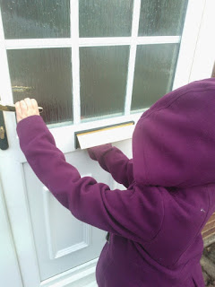 Top Ender trying to open the door