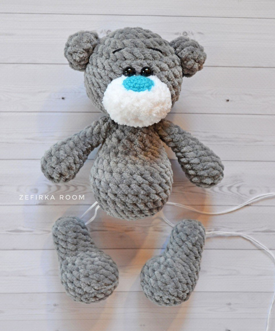Plush bear amigurumi assembly