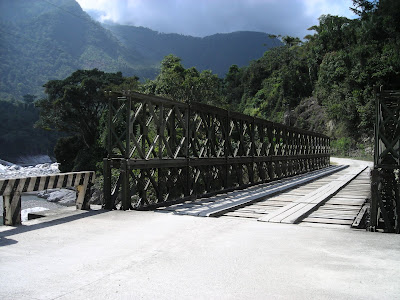 one lane bridge, Honduras