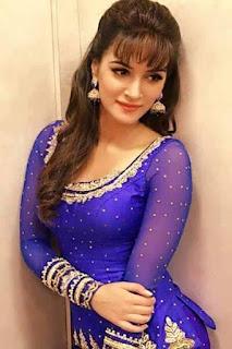 Kriti Sanon Bollywood Actress Biography, Sexy HD Photos
