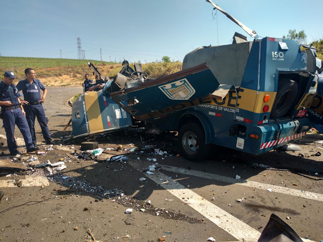 Bandidos explodem carro-forte em rodovia na região de Piracicaba (SP)