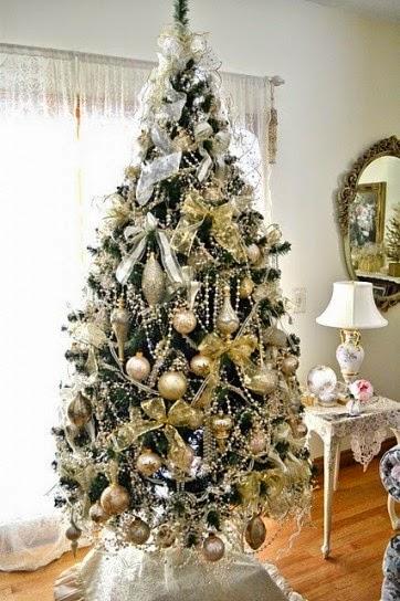 rboles de navidad en color blanco y dorado