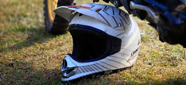 Helm Anda Berbau? Berikut Tips Untuk Mengatasi Masalah Helm Berbau