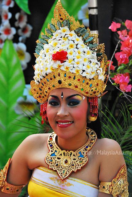 pretty local Bali girl