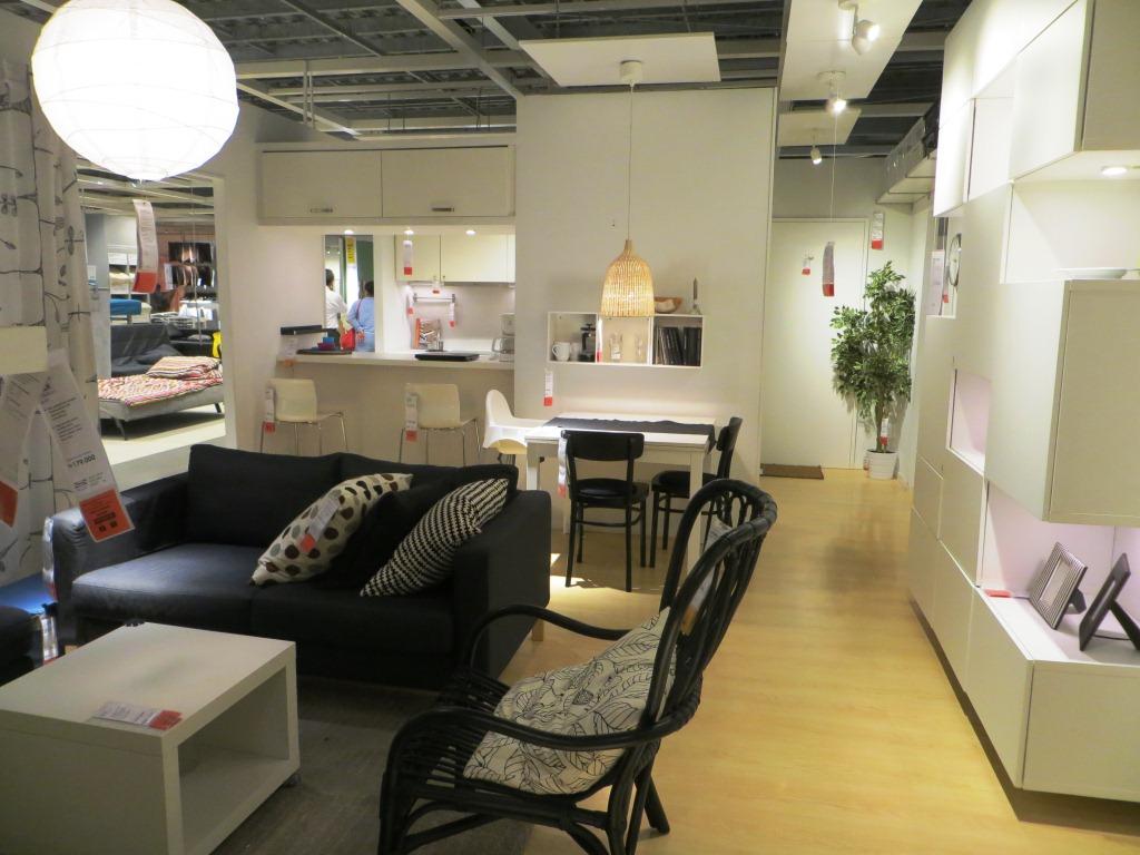 Pemesanan Perabotan Rumah Tangga di IKEA