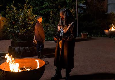 Carol Peletier (Melissa McBride) sorpresa da Ezekiel (Khary Payton)
