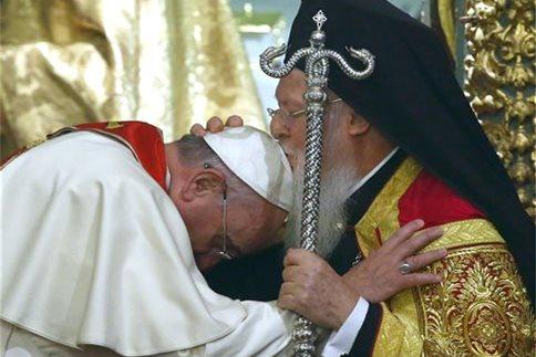Συναντήσεις με τον Βαρθολομαίο και τον Πάπα θα έχει ο Τσίπρας στη Λέσβο