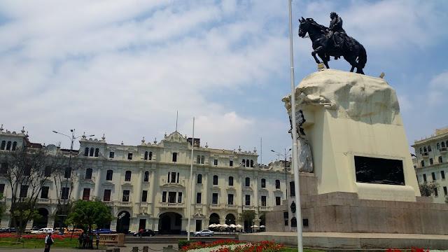 Lima, Peru, Melanie.Ps, The Purple Scarf, Travel, South America, Backpacking, Explore, Woman, Canadian, Tourist, Plaza San Martin