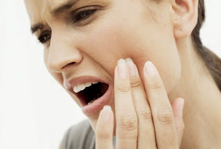 Faktor Penyebab Penyakit Gusi Bengkak