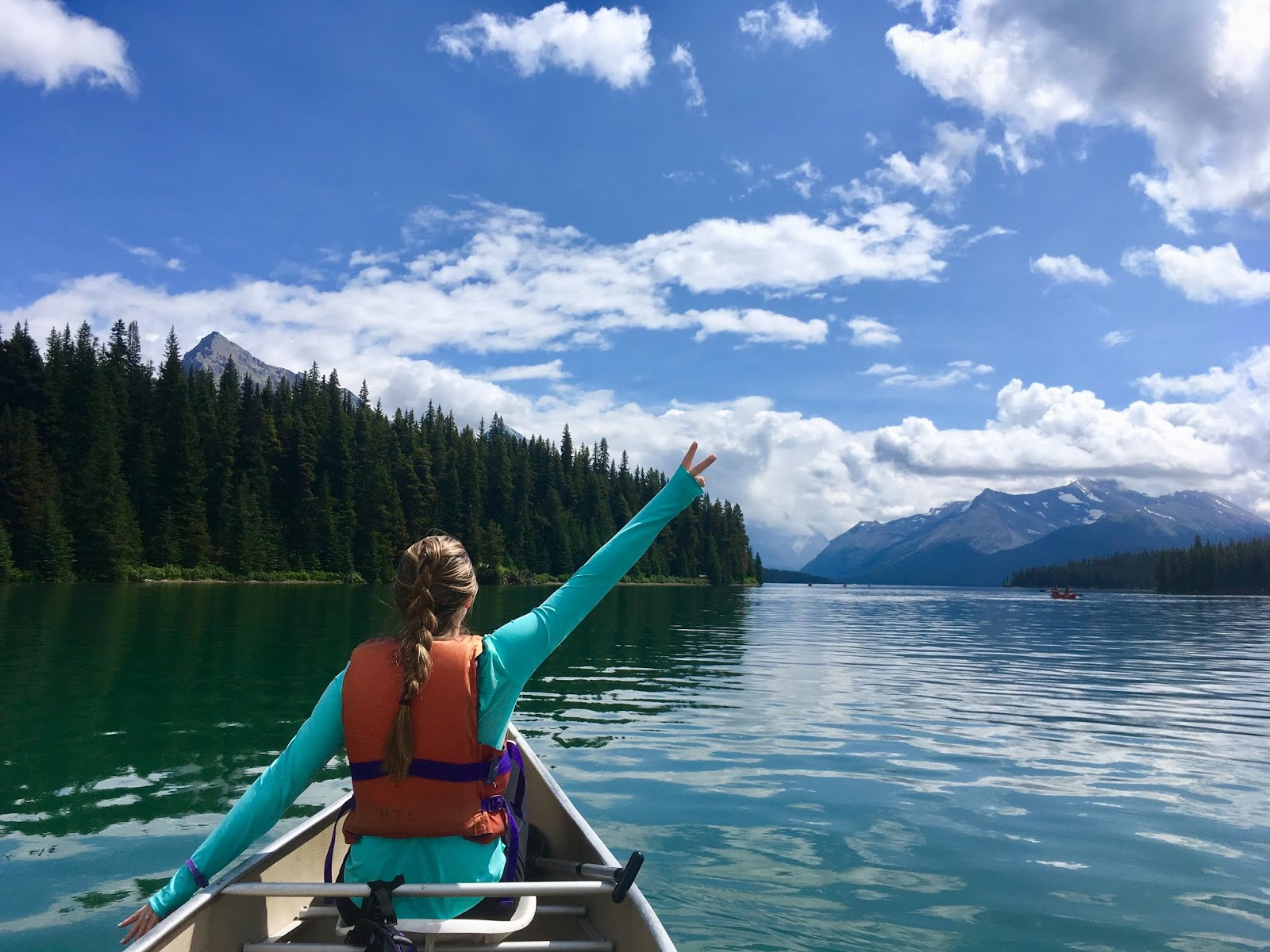 Renting a Canoe at Maligne Lake | Is it worth it to rent a canoe in the Canadian Rockies | What to do in Jasper National Park | Jasper Itinerary | Banff Bucketlist | A Memory of Us