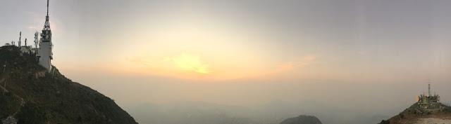 青山之顛,180度風光