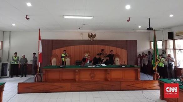 Praperadilan soal SP3 HRS Ditolak, Massa FPI Pekik Takbir