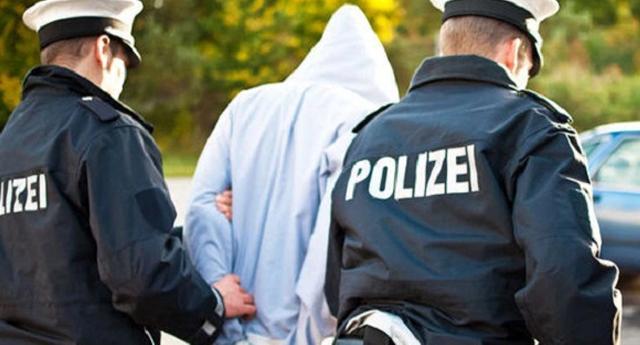 Nueve iraquíes violan a una joven alemana mientras se sacaban fotos