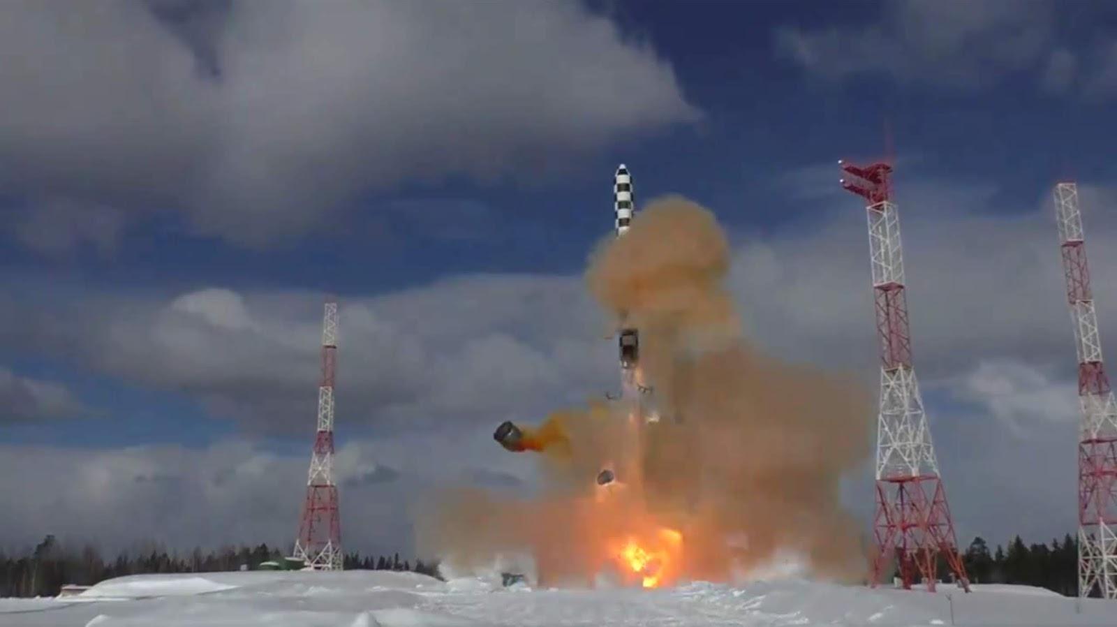 Rusia mulai menyiapkan pembuatan batch eksperimentar  ICBM Sarmat