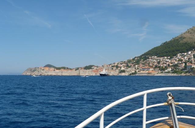 Gezicht op Dubrovnik, vanuit zee