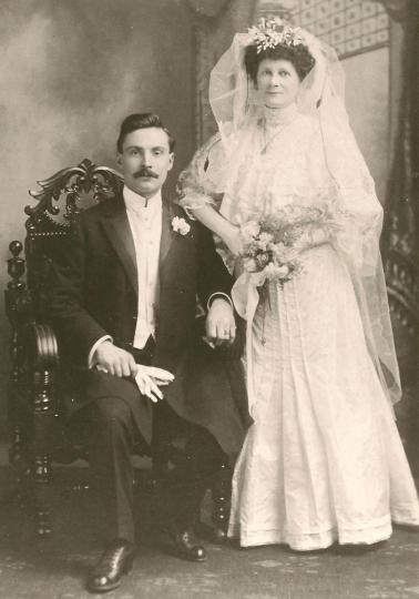 Wedding couple, vintage photo