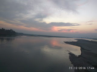 View of Karnali river from Rajapur bridge.