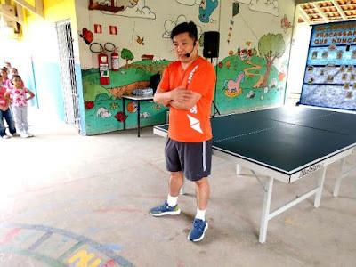 Mesatenista Hugo Hoyama, visita Escolas Municipais de Registro-SP