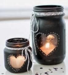 http://un-mundo-manualidades.blogspot.com.es/2014/01/diy-hermosos-candelabros-caseros.html