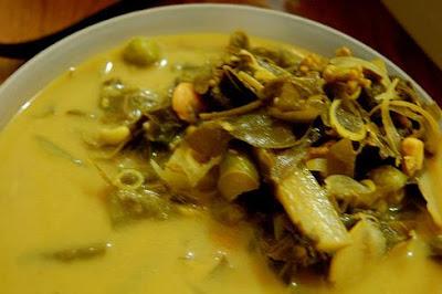 http://resepabu.blogspot.com/2017/03/beberapa-jenis-masakan-khas-aceh.html