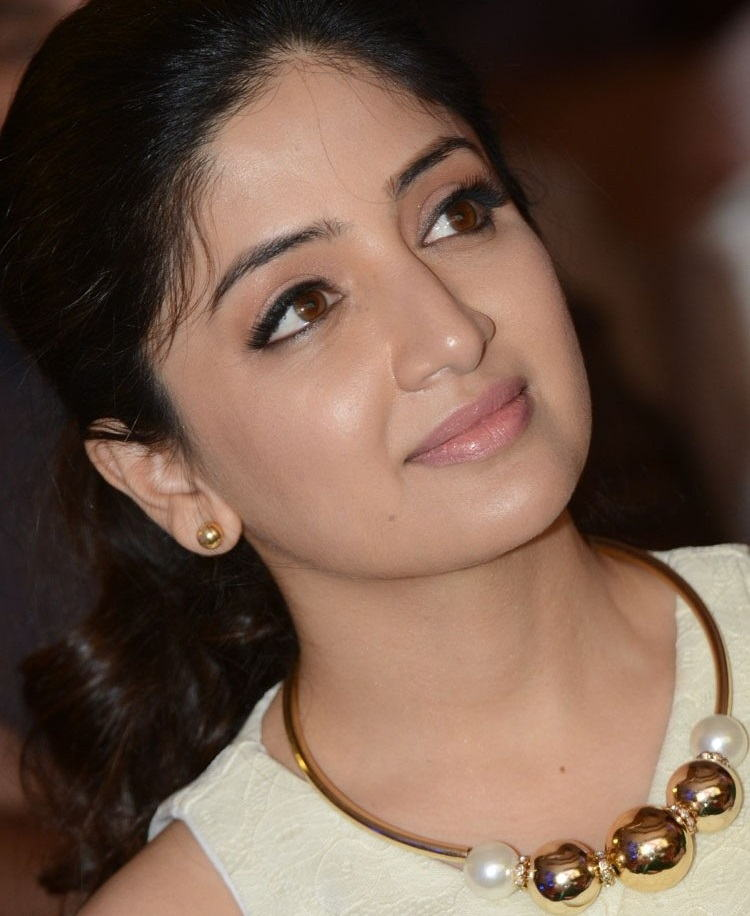 Beautiful Telugu Girl Poonam Kaur Smiling Face Close Up Photos