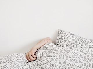 durmiendo en almohadas