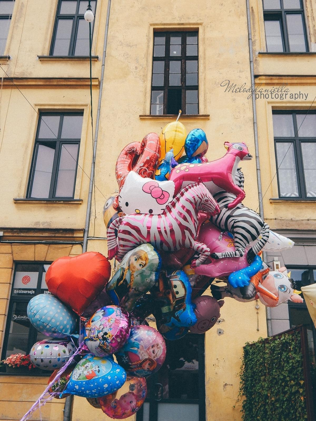 13 XV Łódź Street Food Festival. Uliczna uczta przy Piotrkowskiej 217 before food market lato co zjeść food truck festival łódź bangkok lody tajskie chińskie pierożki na parze baklava tacos kiełbasiarnia kofola