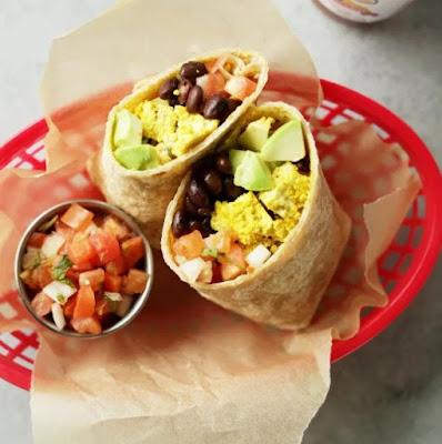 BEST EASY Protein Packed Vegan Breakfast Burrito #burrito #easyvegan #easybreakfast #healthybreakfast #meatless #vegetarian #protein #veganbreakfast #whole30