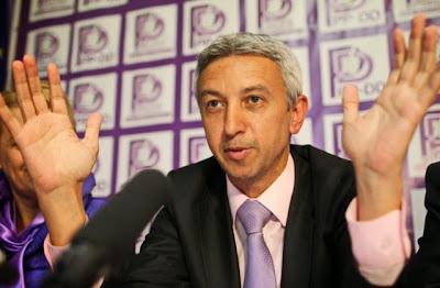 Ponta-kormány, RMDSZ, Dan Diaconescu, Románia, államelnök-választások, politika,