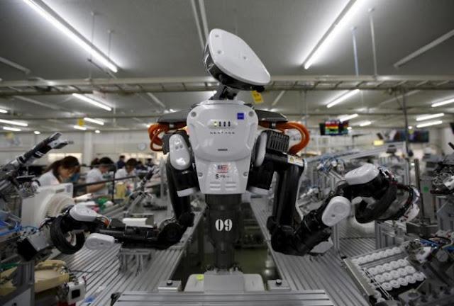 Ήρθε η εποχή των ρομπότ; Εταιρεία αντικατέστησε τους εργάτες με ρομπότ και… είδε αύξηση στα κέρδη 250%!
