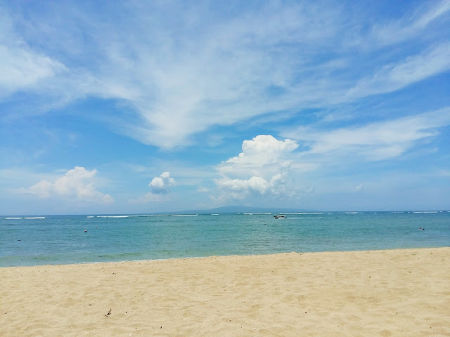 пляж без волн на бали