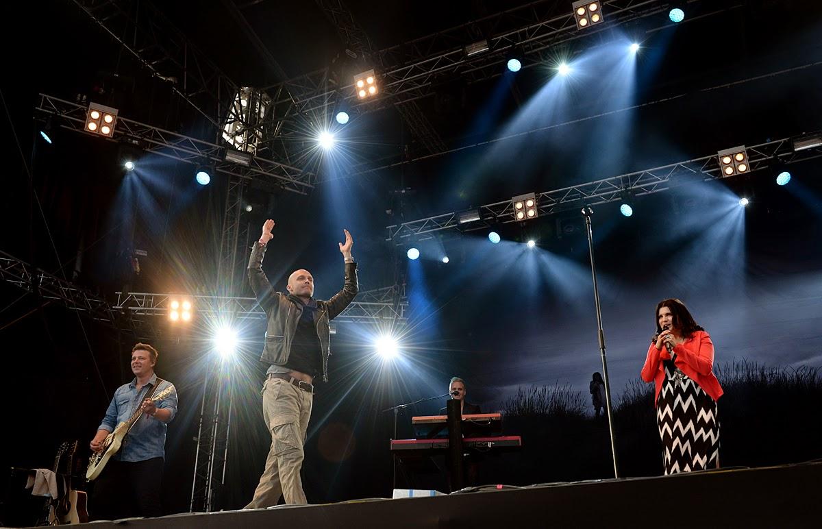Suvi Teräsniska (feat. Juha Tapio) @ Iskelmä festivaali 26.6.2014 | TIIA SANTAVIRTA