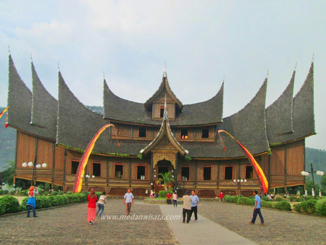 Paket Tour Sumatera Barat 4 Hari 3 Malam