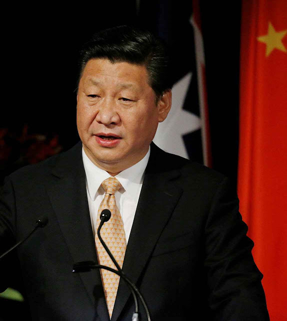 O presidente Xi Jinping quer mais marxismo na juventude, mas essa acha-o 'chato' e os que aderem visam retornos na corrupção da administração pública.