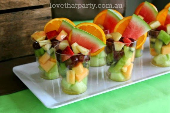 It's all in the presentation! Tips and tricks to get your kids eating healthy food at birthday parties. Via Love That Party. www.lovethatparty.com.au