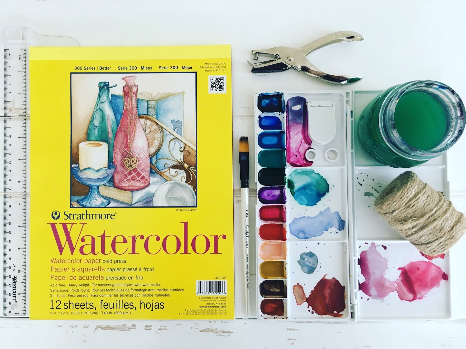 Watercolor Supplies - Watercolor Paper - Watercolors - Art Blog - theartsyboho.com