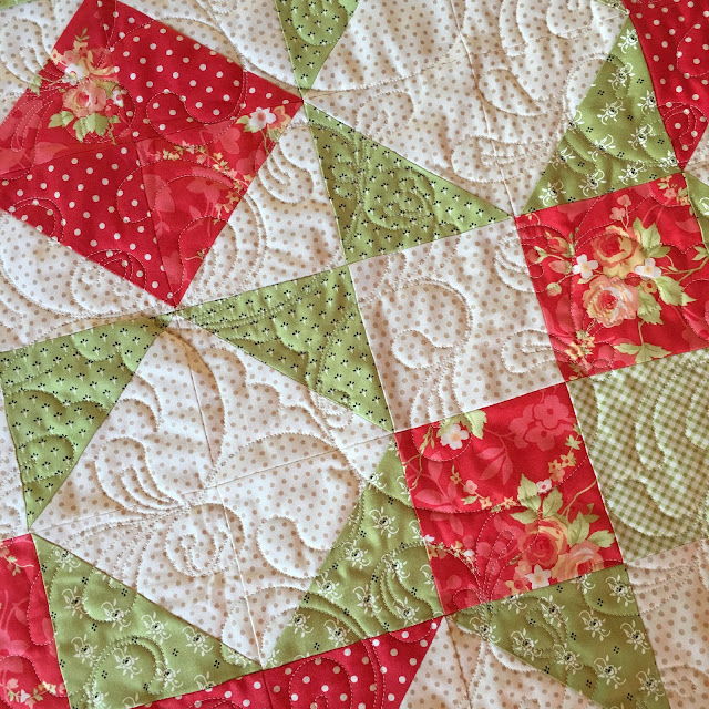 Christmas Quilt Patterns Moda : Carried Away Quilting: Moda Love Quilt for Christmas